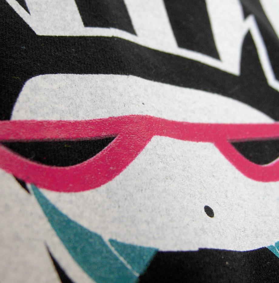 camiseta-kittygirldetalle-00-caprichos-creativos